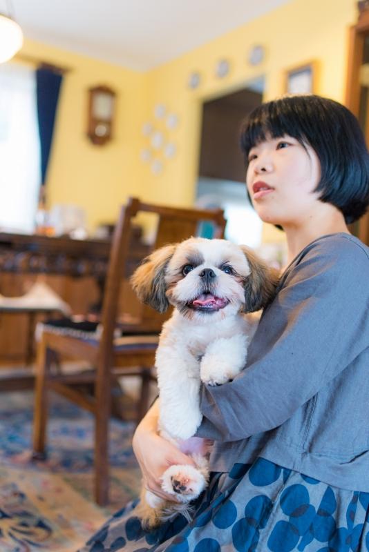 犬との記念写真なら口コミで広まっている出張撮影タイプの写真スタジオ「ペットショット」にお任せdog-photo-0210